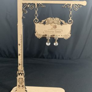 Earring Display – Signpost with Ruler